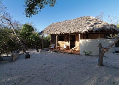 bungalow bois double triple-mazavaloha-ecole-kite-mer-emeraude-madagascar