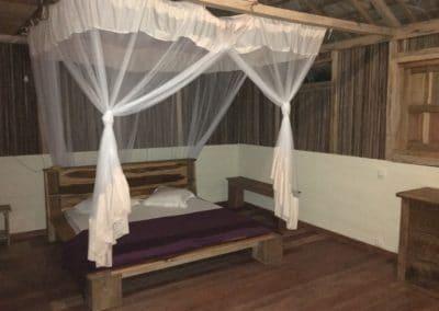 chambre bungalow bois-mazavaloha-ecole-kite-mer-emeraude-madagascar